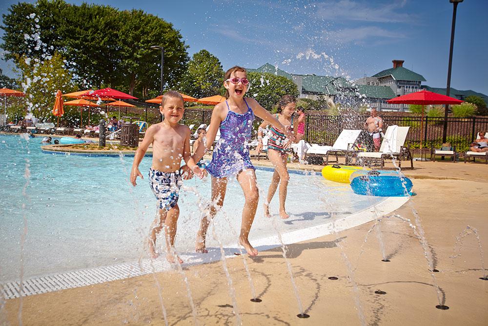 River-Pool-Kids-in-Spray