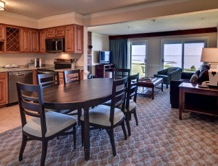 River Condo w Kitchen