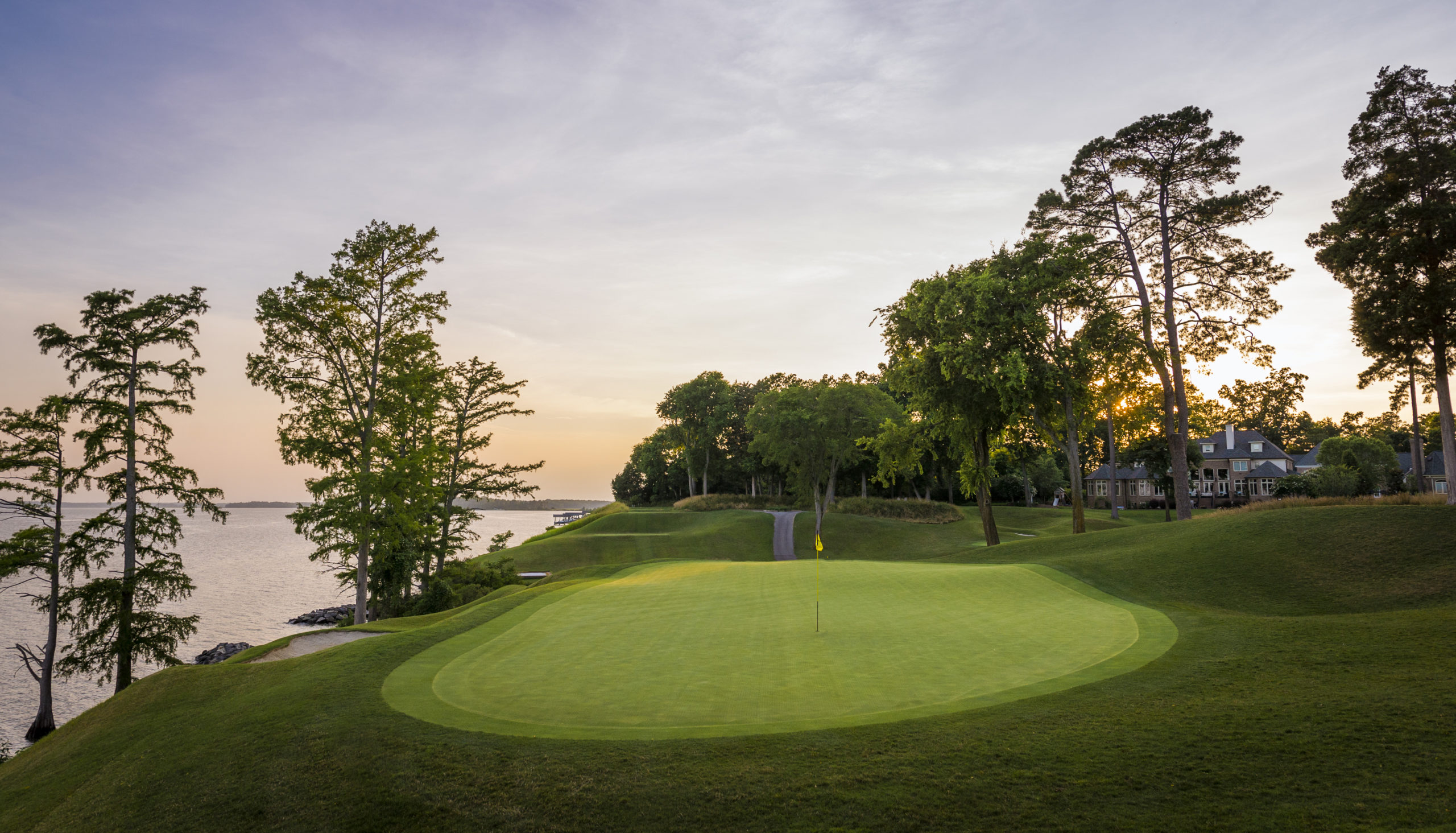 17th Hole River Course