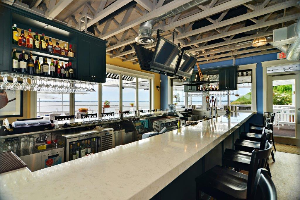 James Landing Grille Bar