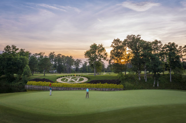 Kingsmill Crest at 18th River Course Hole